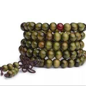 Green Sandalwood Buddhist Meditation Bead Bracelet